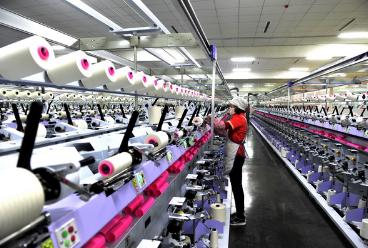 2017年中国纺织行业现状、主要挑战、新变化及转型情况分析