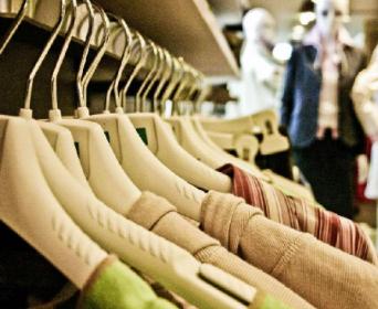 预计蒸发4000亿元,下半年纺织服装人如何自救?